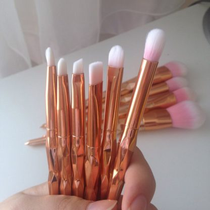 11Pcs-Diamond-Rose-Gold-Makeup-Brushes-Set-Mermaid-Fishtail-Shaped-Foundation-Powder-Cosmetics-Brush-Rainbow-Eyeshadow_15